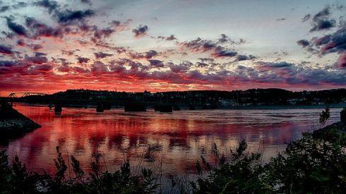 couucher de soleil sur le bord du Saguenay