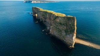 Even when you know it's coming, Rocher Percé is a stunning sight to behold fortnine